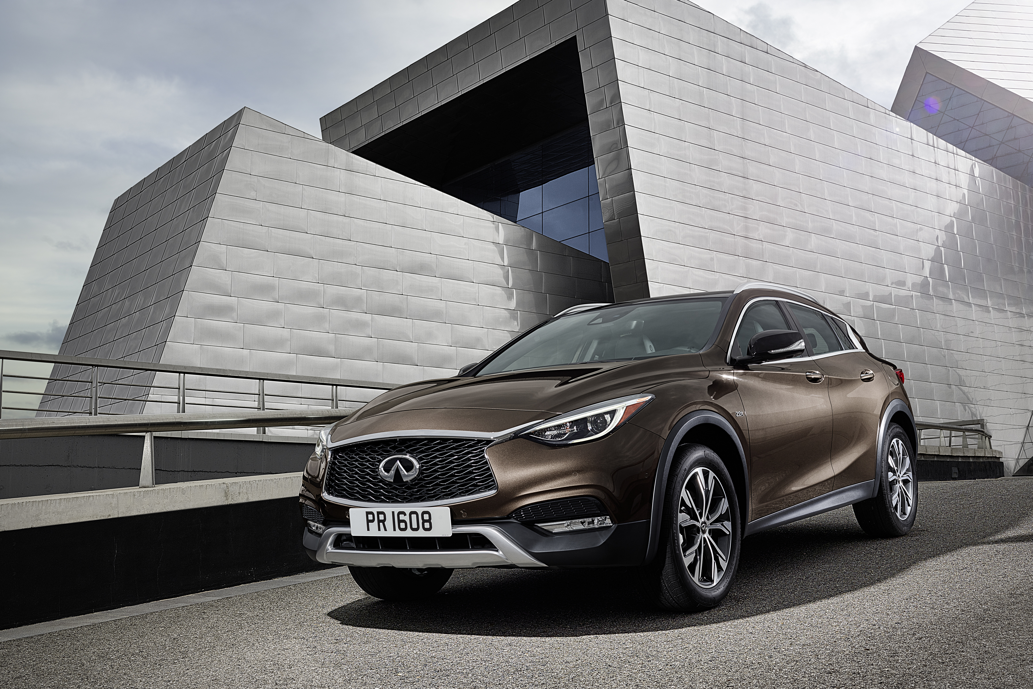 Stylish and intelligent INFINITI QX30 crossover makes debut in Abu Dhabi and Al Ain market
